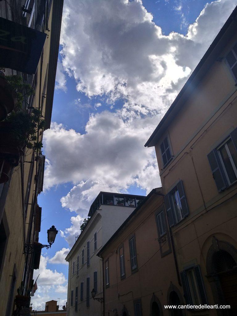 Una foto del corso della Repubblica nel centro storico di Castel Gandolfo dove si trova la sede della nostra associazione